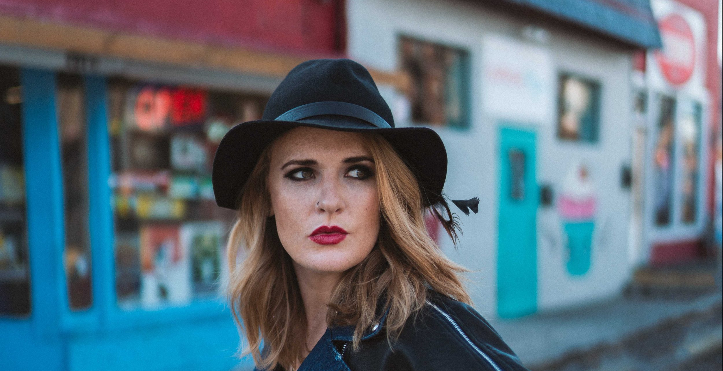 Thekla Isolation Discs Podcast Elles Bailey